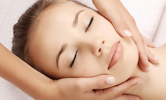 Forever 25 Womens Anti-Aging & Wellness - Forever 25 Medical Center: $399 for One Massage Per Month for a Year at Forever 25 Women's Anti-Aging & Wellness ($1,188 Value)