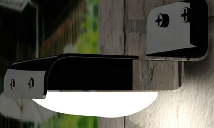 lampe solaire avec d tecteur de mouvement groupon. Black Bedroom Furniture Sets. Home Design Ideas