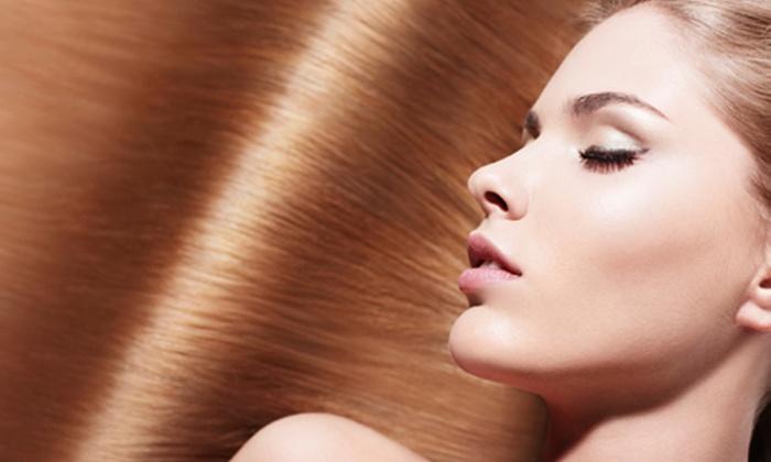 Elister Parrucchiere - Genova: Bellezza capelli con taglio e colore o in più ricostruzione da 19 € invece di 92,50