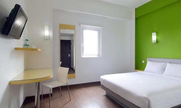 Batam: Hotel Stay + Return Ferry 1