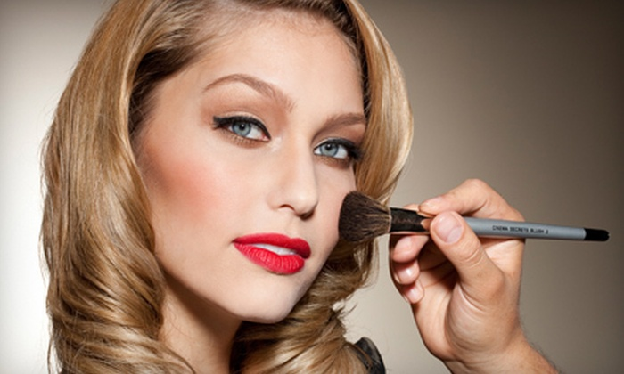 Cinema Secrets - Burbank/Toluca Lake: $35 for a Hollywood Makeover by a Film and TV Makeup Artist at Cinema Secrets ($79 Value)