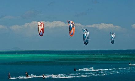 לרחף על הגלים בחוף נתניה: שיעור קייטסרפינג + הדרכה וציוד נלווה ב 99 ₪, רחף במצנח טנדם בליווי מדריך ב 119 ₪. גם בחוהמ