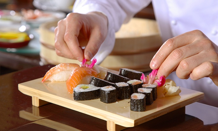 apprendre faire des sushis eat sushi pontault combault groupon. Black Bedroom Furniture Sets. Home Design Ideas
