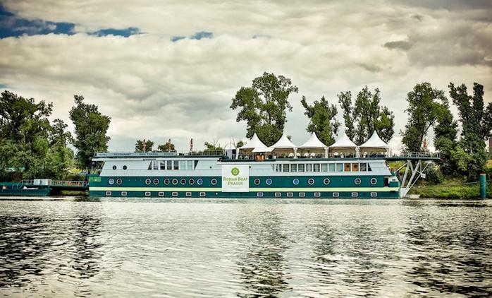 Prag: 3-5 Tage für Zwei inkl. Frühstück, Welcome Drink, 1x 3-Gänge-Dinner und WiFi auf dem Rohan Boat Prague
