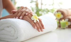 Efekt-Med: Manicure hybrydowy (29,99 zł), pedicure hybrydowy (49,99 zł) i więcej w Efekt-Med w Toruniu (do -40%)
