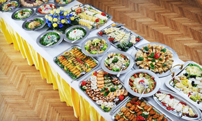 Gigante Catering - Detroit: Up to $500 Toward Graduation-Party Catering from Gigante Catering. Two Options Available.