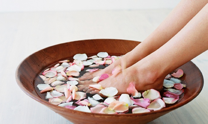 Le Beau Organic Day Spa - Valencia: One or Three Foot Detox Therapy Sessions at Le Beau Organic Day Spa (Up to 53% Off)