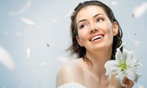 PELUQUERIA Y ESTETICA RUIZ: 1 o 2 sesiones de belleza con higiene facial, tratamiento de ozono y masaje relajante desde 19,90 €