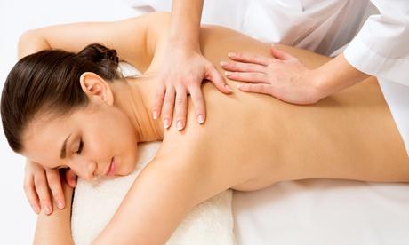 3 o 5 masajes a elegir entre varias disciplinas desde 34,95 € en Clínica Salyfor