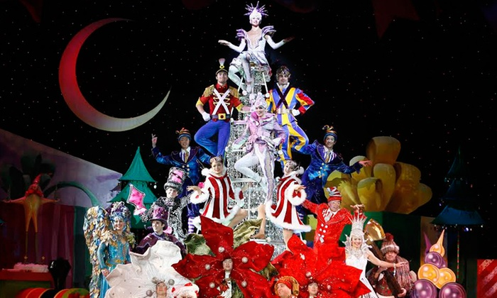 "Cirque Dreams Holidaze - E.J. Thomas Hall - The University of Akron: Cirque Dreams's ""Holidaze"" at EJ Thomas Hall on Saturday, November 30, at 8 p.m. (Up to 57% Off)"