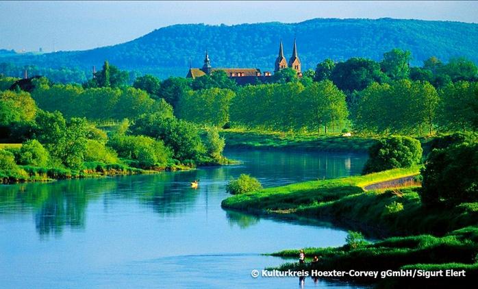 Weserbergland: 3, 5 oder 7 Tage für Zwei mit 1x Schlosseintritt und Frühstück oder Vollpension im Hotel am Jakobsweg