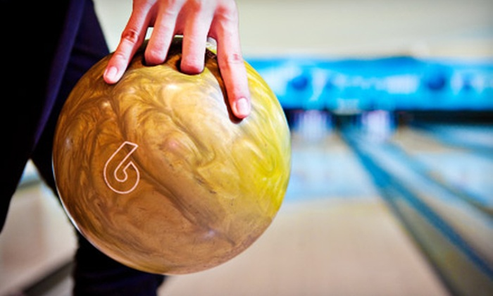 Deer Park Bowl - Deer Park: $29 for Bowling Outing for Six with Shoe Rentals, Pizza, and Pitcher of Soda at Deer Park Bowl ($75 Value)
