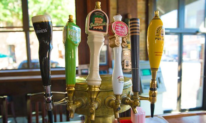 Glascott's Saloon - Lincoln Park: $10 for $20 Worth of Drinks at Glascott's Saloon