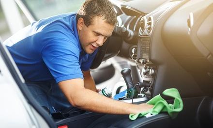 Lavaggio auto a mano con check up