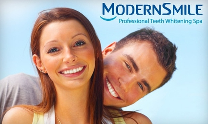 ModernSmile - Plainview: $149 for a One-Hour Professional Teeth-Whitening Treatment at ModernSmile in Plainview ($399 Value)