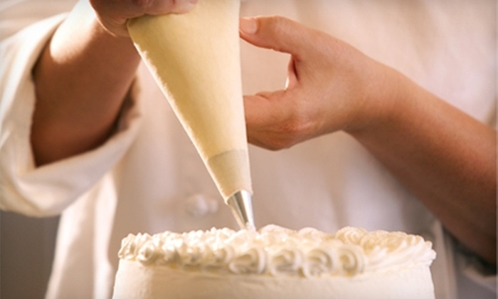 Dragonfly Cakes - Sausalito: $100 for a Three-Hour Cake-Decorating Class at Dragonfly Cakes in Sausalito ($220 Value)