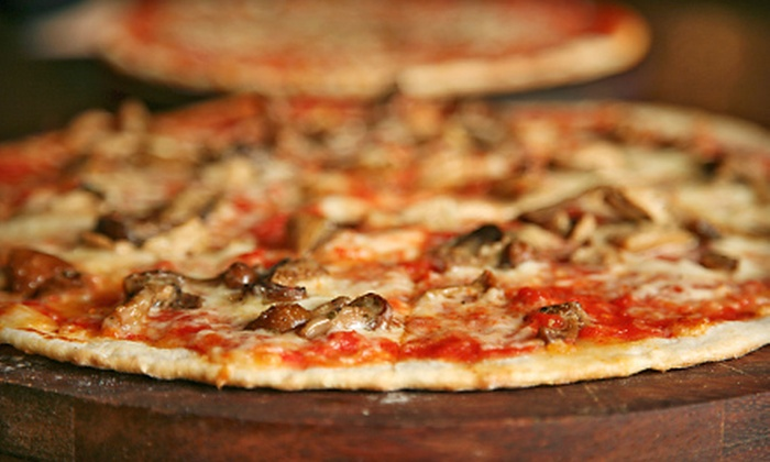 Renna's Pizza - Jacksonville North Estates: $7 for $15 Worth of Italian Fare at Renna's Pizza