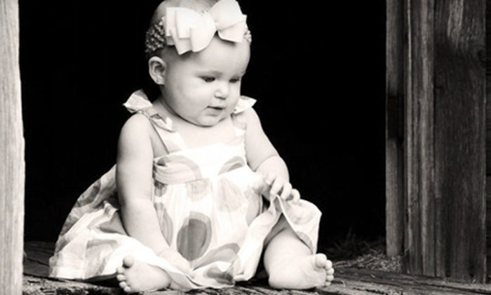 B House Photography - San Antonio: $120 for a One-Hour Photo Session and Photo CD from B House Photography ($400 Value)
