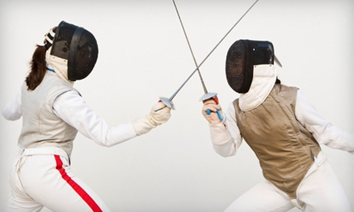 Salle d'Etroit - Livonia: $35 for Three One-Hour Beginner Fencing Classes at Salle d'Etroit in Livonia ($75 Value)