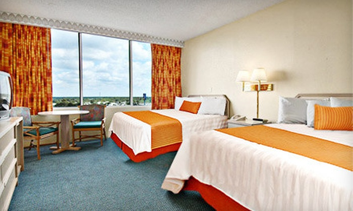 Ramada Gateway - Kissimmee: One-Night Stay Sunday–Thursday or Friday–Saturday at Ramada Gateway in Kissimmee (Up to 60% Off)