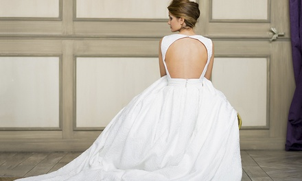 Paga 79,90 € y obtén un descuento de 1.500 € en tu traje hecho a medida de novia, madrina o traje de fiesta