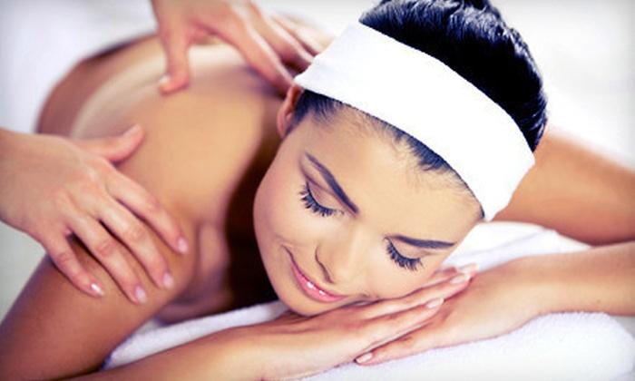 Natural Wellness Centre - Richmond Hill: 60-Minute Foot-Reflexology Massage, Relaxation Body Massage, or Aromatherapy Massage at Natural Wellness Centre in Richmond Hill (Up to 60% Off)