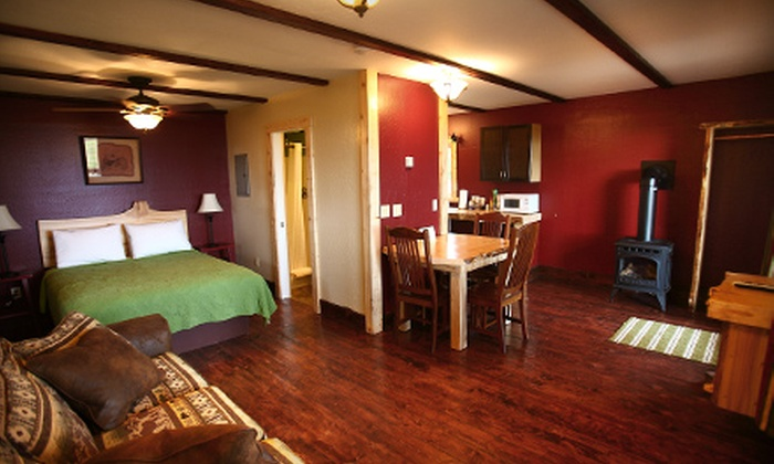 Kenai Peninsula Suites - Homer: Cabin Rental for Up to Four at Kenai Peninsula Suites in Homer. Two Options Available.