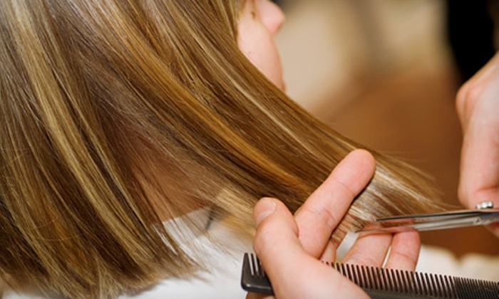 Pink Lime Salon & Spa - Downtown Vancouver: $39 for a Haircut, Style, and Deep-Conditioning Treatment at Pink Lime Salon & Spa (Up to $110 Value)