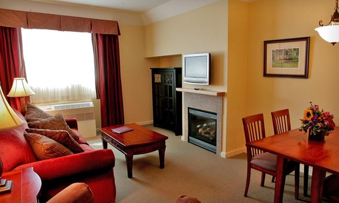 pointe at castle hill resort groupon. Black Bedroom Furniture Sets. Home Design Ideas