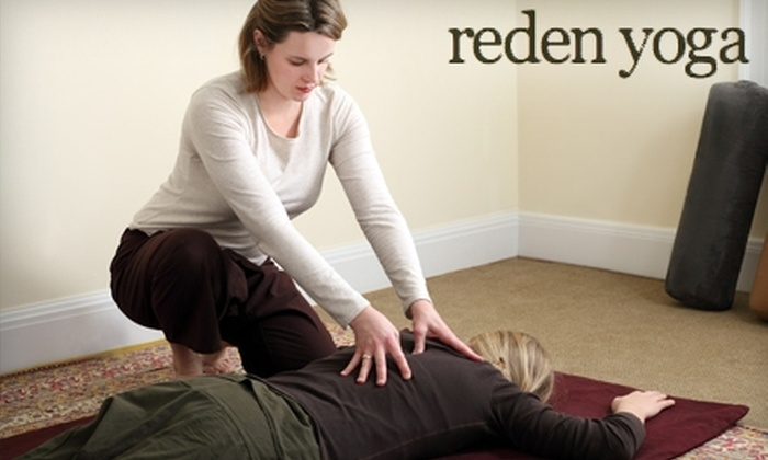 Reden Yoga - Central Clintonville: $35 for a 60-Minute Traditional Thai Yoga Massage at Reden Yoga in Clintonville