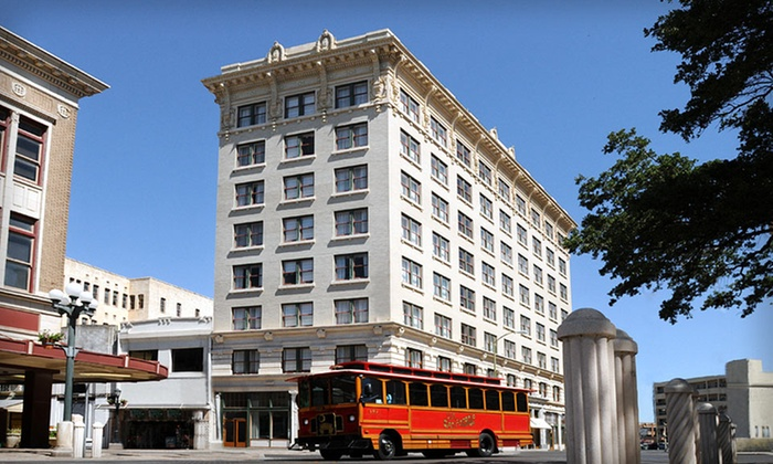 Hotel Indigo - Downtown: $82 for a One-Night Stay for Two with Dining Credit at Hotel Indigo in San Antonio