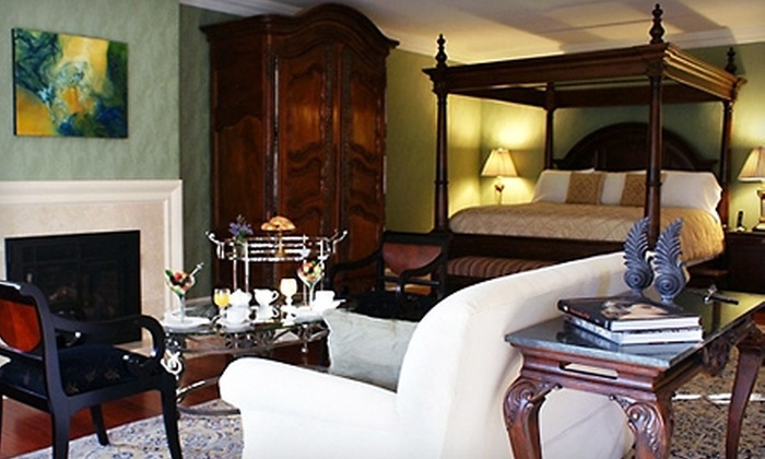 Pratt Place Inn and Barn - Fayetteville, AR: One-Night Romantic Getaway at Pratt Place Inn and Barn in Fayetteville. Two Options Available.