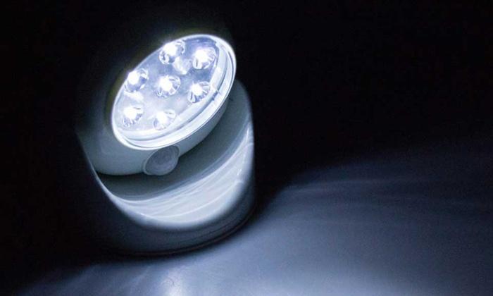 Lampada a led con sensore movimento groupon