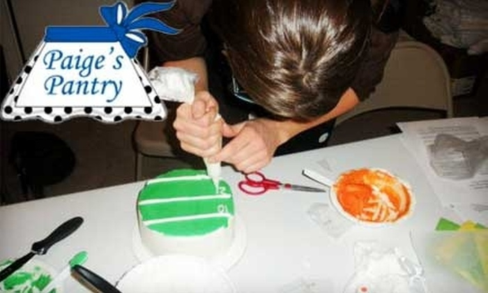 Paige's Pantry - Murfreesboro: $20 for 90-Minute Parent-Child Cake-Decorating Class at Paige's Pantry