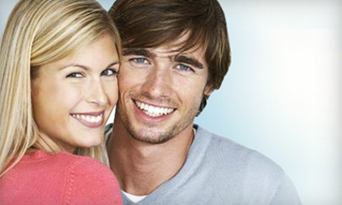 Smile Bright Teeth Whitening: $29 for a Professional At-Home Teeth-Whitening Kit with LED Lighting System and On-the-Go Pen from Smile Bright Teeth Whitening ($133.95 Value)