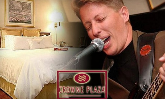 Crowne Plaza Hotel - Downtown: $125 for a New Year's Eve Package for Two ($250 Value) or $25 for $50 Worth of Stars Lounge Drinks and Fare at the Crowne Plaza Hotel. Choose Between Two Options.