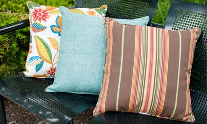 18 For Two 17 Inch Solarium Indoor Outdoor Decorative Throw Pillows 43 98 Value 14 Patterns Available