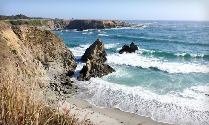 Hill House Inn - Mendocino, CA: $165 for a Two-Night Stay for Two with Bottle of Wine at Hill House Inn in California (Up to $420 Value)