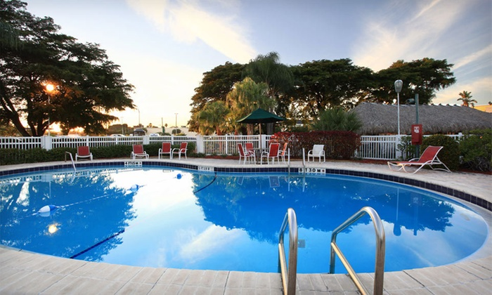 Clarion Hotel Fort Myers - Pine Grove Enterprises: Three-Night Stay for Two at Clarion Hotel Fort Myers in Florida