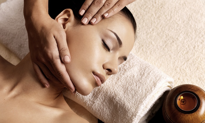 New Health Centers - Hall Chiropractic Center:  for a One-Hour Massage and Pain Consultation at New Health Centers ( Value)