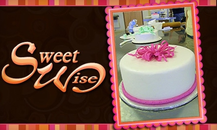 Sweet Wise - Nashville: $35 for Cake-Decorating Class at Sweet Wise ($75 Value)