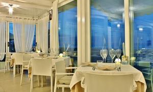 Ristorante Patty: Menu di pesce luxury gourmet vista mare a Riccione con Champagne e calice di vino per 2 persone (sconto 50%)