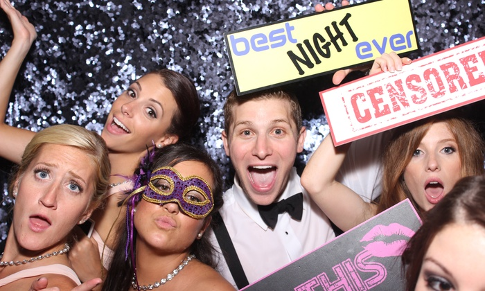 The Hipstr Company - New York City: $525 for a Four-Hour Photo-Booth Rental from The Hipstr Company ($1,094 Value)