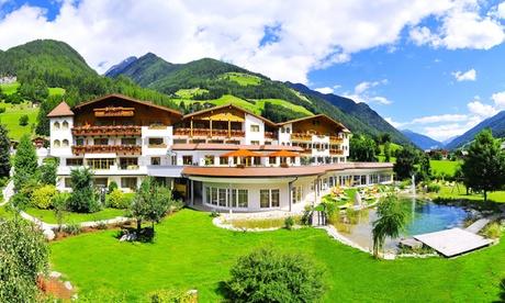 Alto Adige: fino a 7 notti in all inclusive ed uso illimitato dalla zona benessere e piscine per 1 all'Hotel Gallhaus