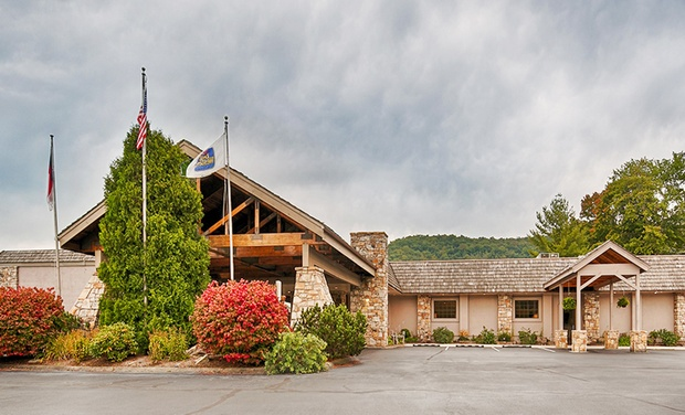 Best Western Mountain Lodge - Banner Elk, NC: Stay at Best Western Mountain Lodge in Banner Elk, NC, with Dates into October