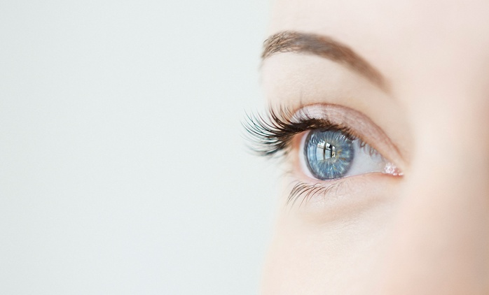 Eyebrow Threading and Tinting with Optional Eyelash Tinting at Beauty & Nail Chic