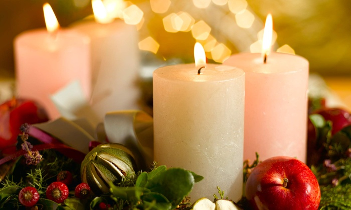 43rd Annual Candlelight Tour - Downtown Fredericksburg: $25 for Two to Attend the 43rd Annual Candlelight Tour on December 14 and 15 ($50 Value)