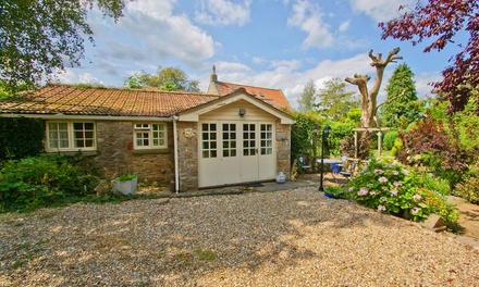 Somerset: 2 or 3Night SelfCatering Cottage Stay for Two with Hot Tub Use at Potting Shed Holiday Cottages