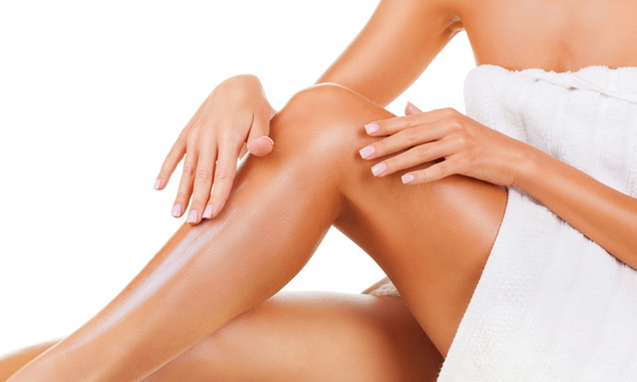 Pelayo Cosmetic Center - Westchester: Evaluation and 25 or 50 Sclerotherapy Injections and Lab WorkatPelayo Cosmetic Center (Up to 77% Off)