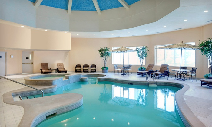 Radisson Hotel Suites Fallsview In Niagara Falls On Groupon Getaways